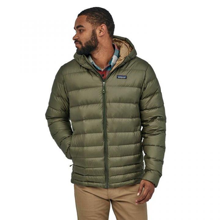 piumino maschile verdone con cappuccio caldo e legegro